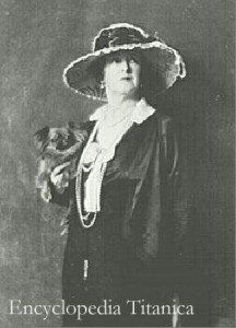 "∫ Myna Harper with her Pekinese named ""Sun Yat-Sen"""