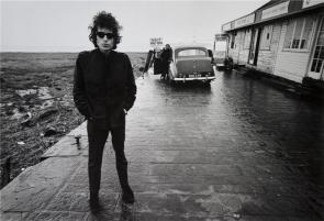∫ Barry Feinstein (1931-2011) Dylan, Aust Ferry, England 1966 (Photo credit Morrison Hotel Gallery)