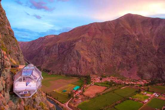 Hanging lodge over Sacred Valley, Cuzco, Peru