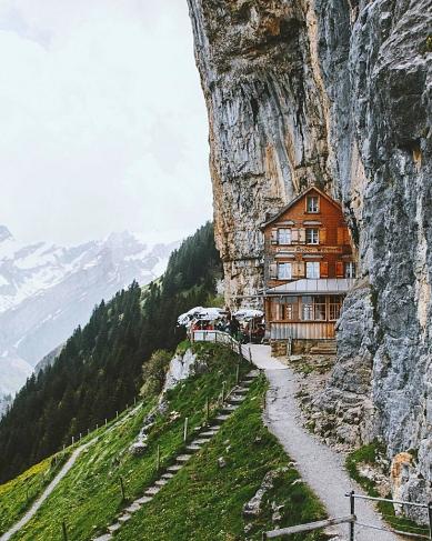 Always wanted to visit this sweet restaurant in Switzerland © Jannik Obenhoff